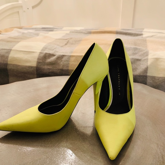 4037bff56dd ZARA neon yellow shoes 🥂Perfect for holiday